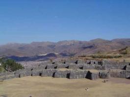 Vallée Sacrée, Sacsayhuaman (forteresse)