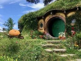 Ile Nord, Hobbiton (village)