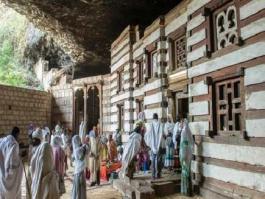 Amhara, Lalibela environs, Yemrehanna Kristos